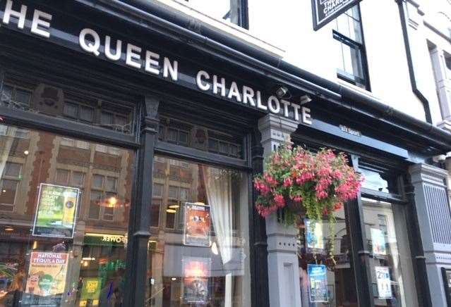 The Queen Charlotte, run by the Craft Union Pub Company, is a five-minute walk from Rochester train station