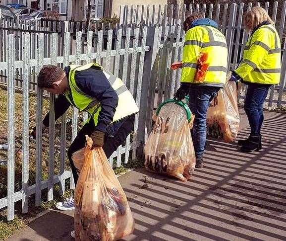 Volunteers have been collecting litter picking in parts of Maidstone