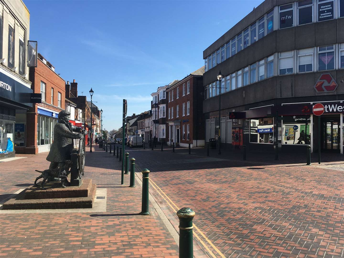 Sittingbourne's statue of the bargeman in High Street with no friends on day one of the coronavirus lockdown
