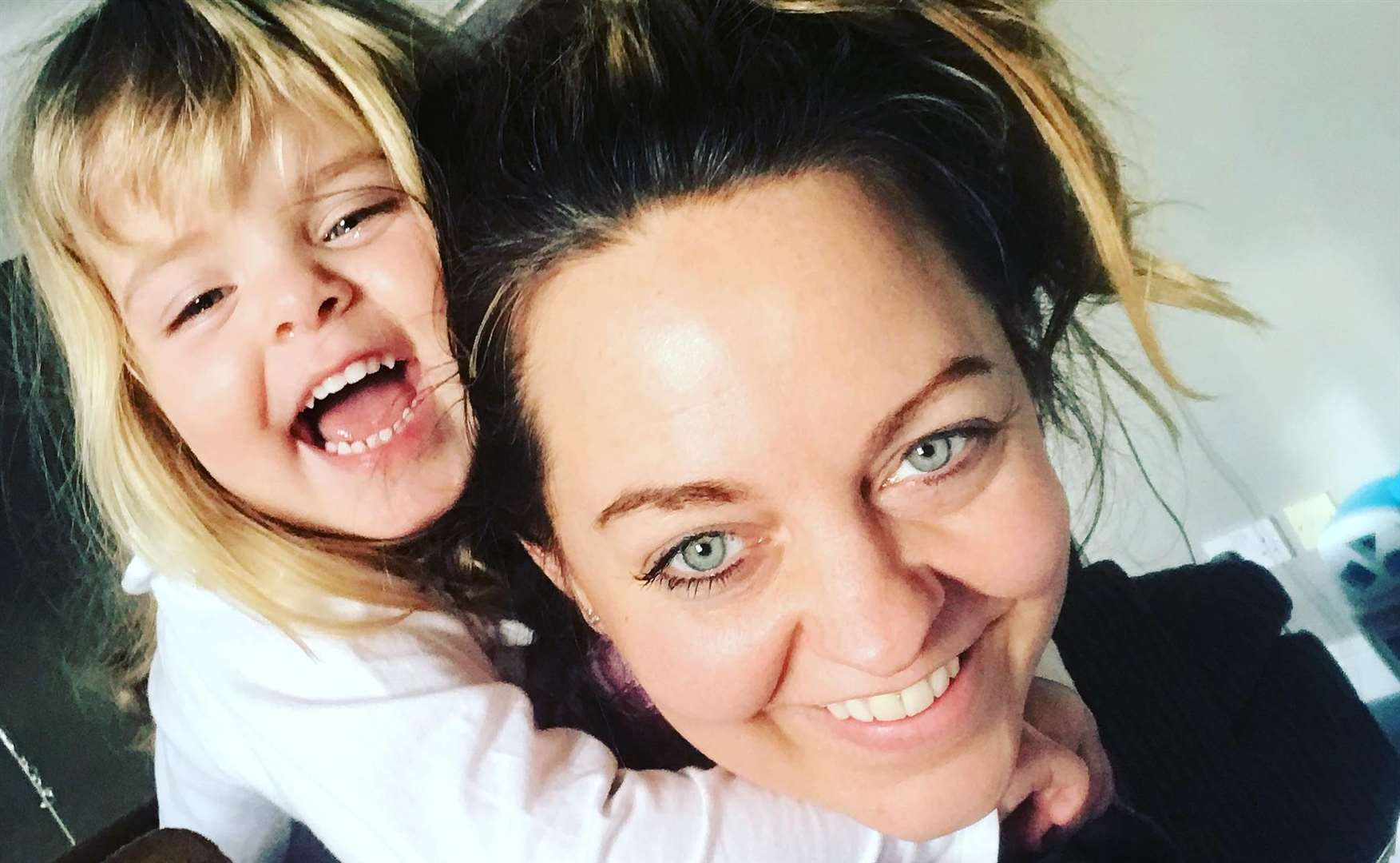 Emma Richards, 38, with daughter Indiana, three (6066068)