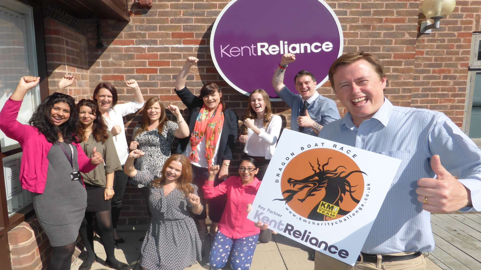 Robert Gurr and the Kent Reliance dragon boat team announce the organisation is to be the headline sponsor of the annual KM Dragon Boat Race.