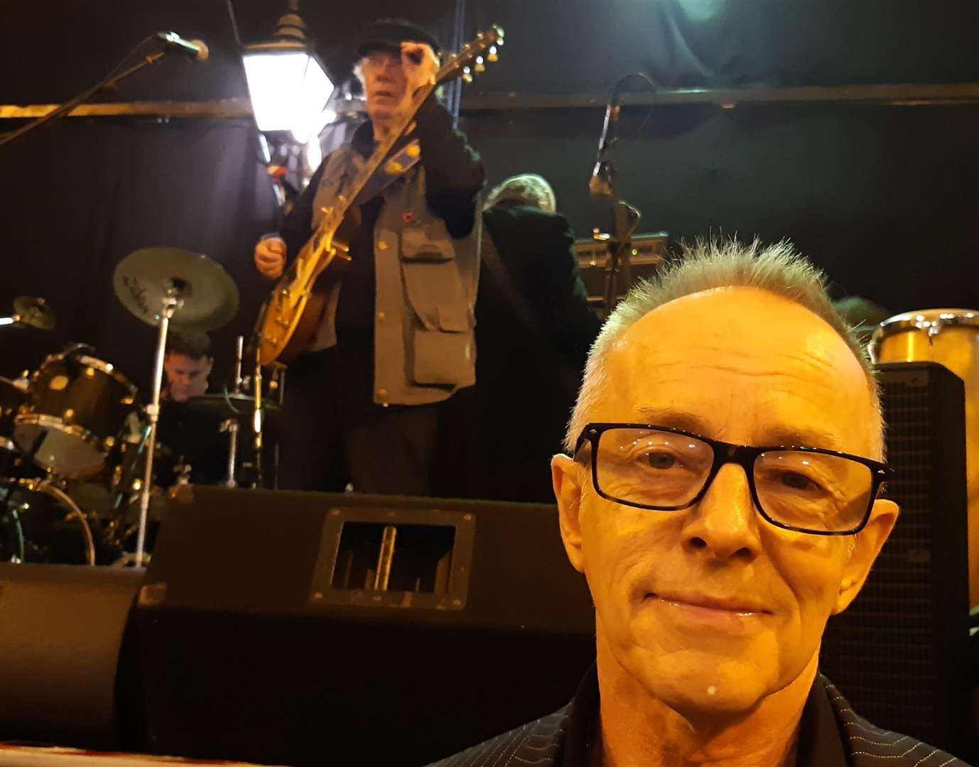 Reason to be cheerful. Headon in rehearsal with The Blockheads
