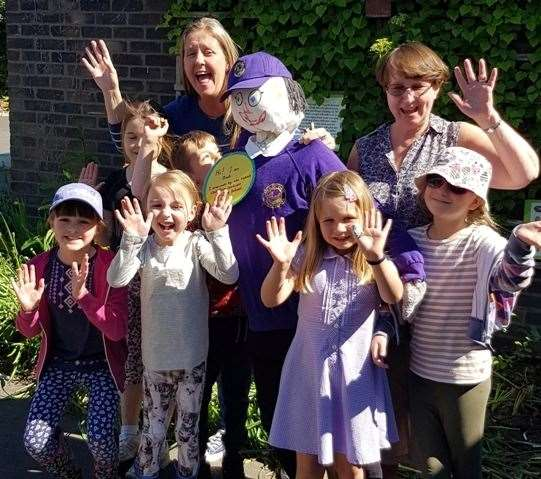 Headcorn Primary staff and pupils with their entry for the inaugural Ted's Scarecrow Challenge at the KM Charity Walk (11640684)
