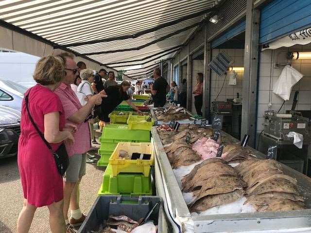 A fish market comes to town every Sunday