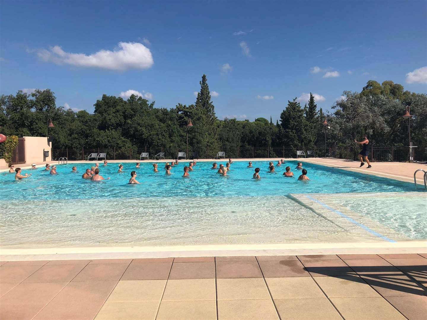 Water aerobics in the pool (7102913)