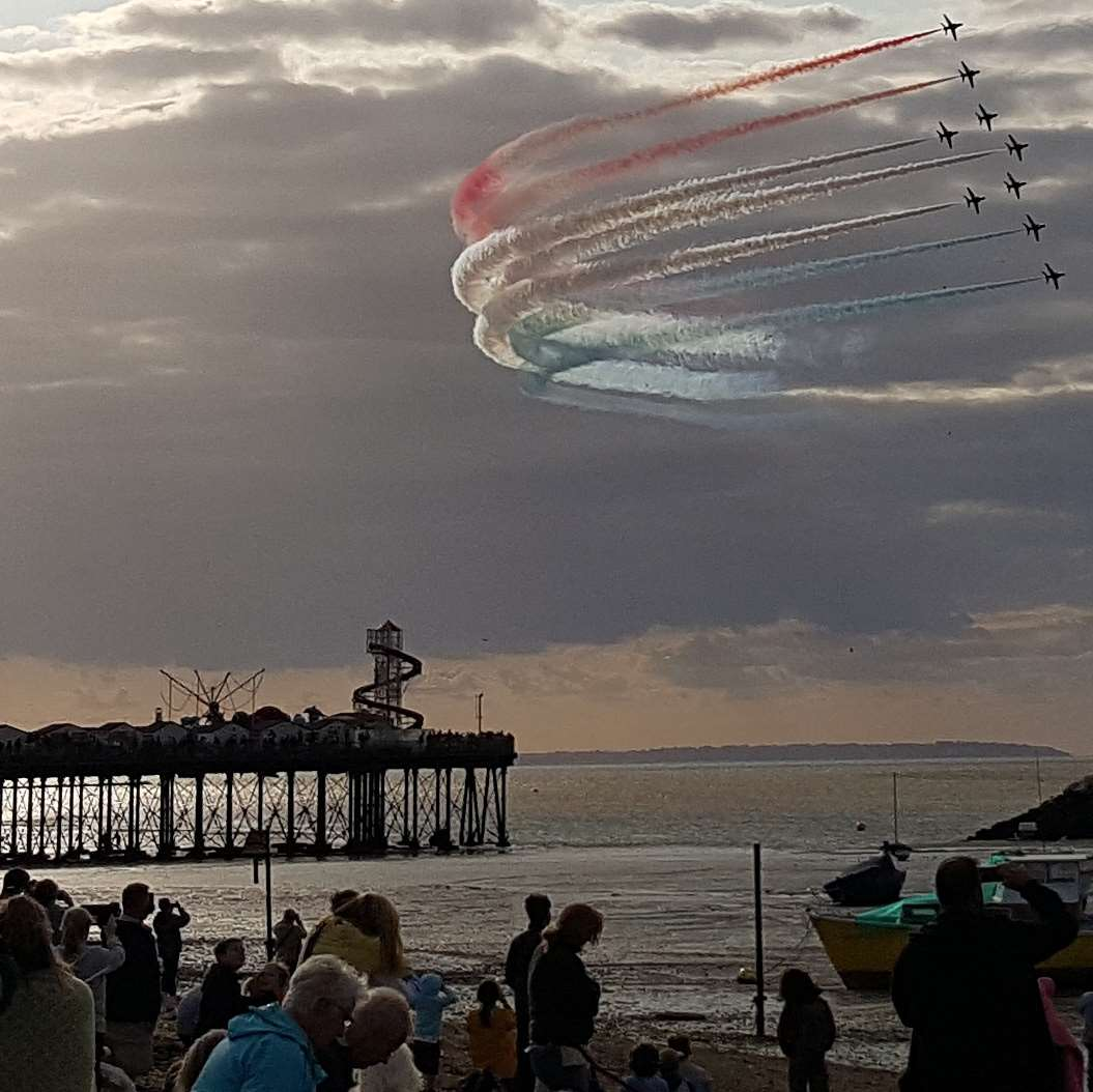 The Red Arrows thrilled crowds with their display