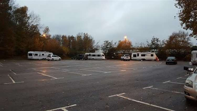 Travellers Behind Cineworld And Pizza Hut In Ashford For