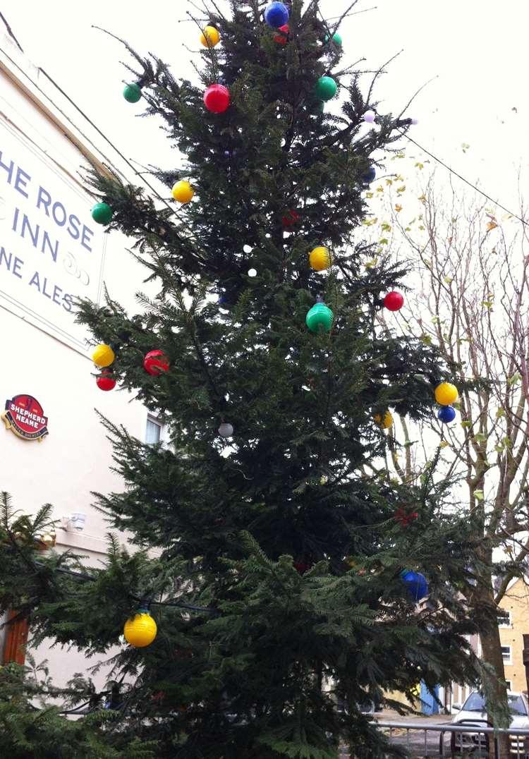 20 Ft Christmas Tree.Herne Bay To Get 20ft Christmas Tree After Developer Mark