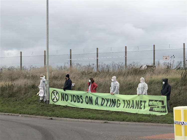 Extinction Rebellion Thanet held an anti-Manston protest along the A299 Thanet Way on Friday