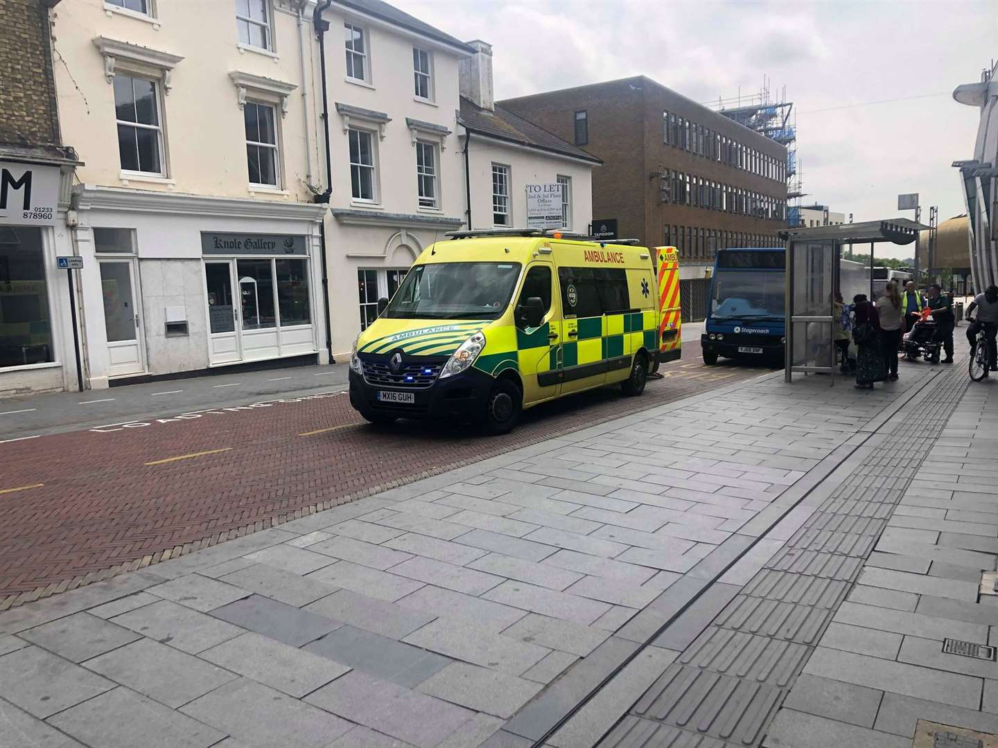 Ambulance crews were called to Bank Street (12972653)
