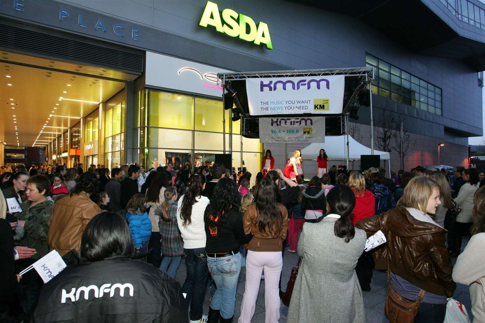 Bouverie Place Shopping Centre's Christmas entertainment and show 2009. There was dancers on stage, kmfm Adam Dowling, plus De-Tour from X Factor appeared