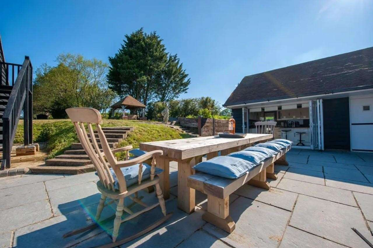 The outdoor seating area. Picture: Zoopla / Rafferty & Pickard