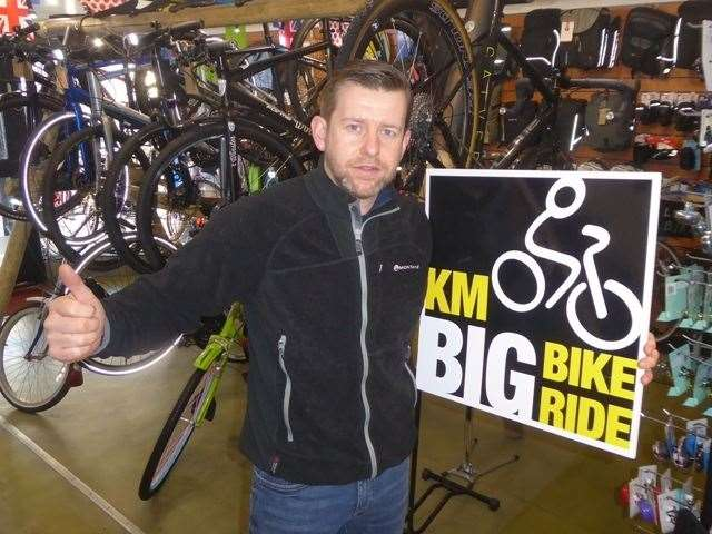 Herberts Cycles owner Keith Spencer (7670007)