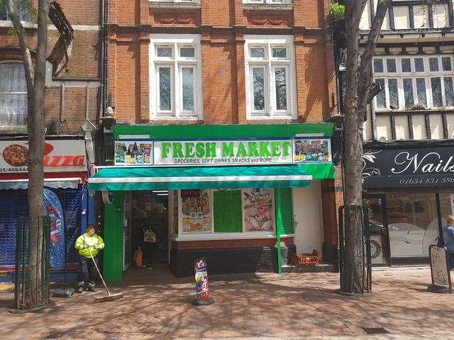 Fresh Market in Chatham High Street (12226592)