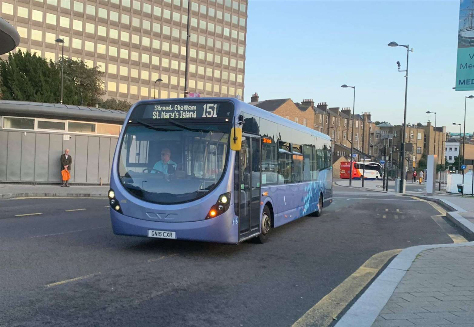 The 151 bus picks up passengers in Chatham(15711406)