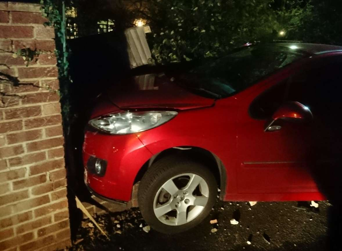 The car hit a wall in Sea View Road
