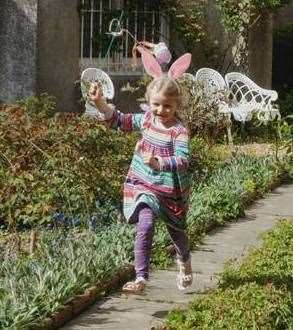 Chiddingstone Castle Funny Bunny hunt