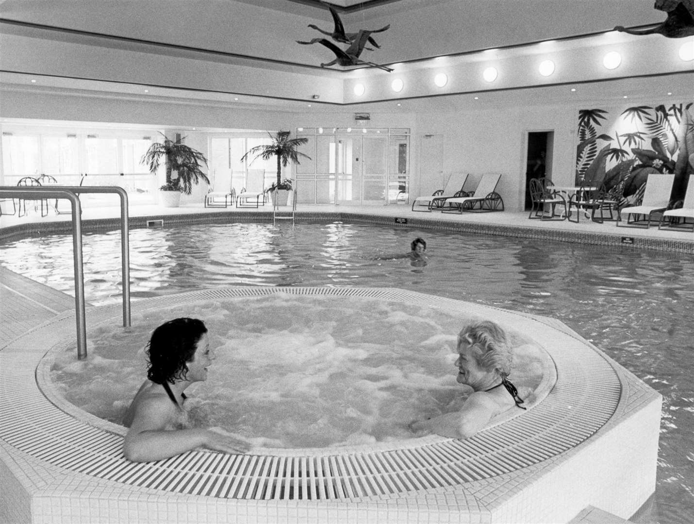 The swimming pool in Stakis County Court Hotel, Maidstone - 1991