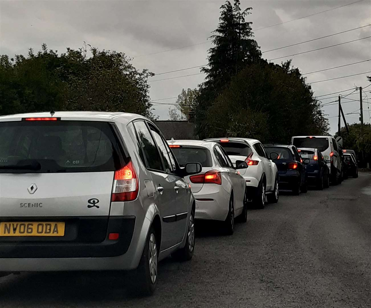 Traffic queuing in Shalloak Road Canterbury (42379388)