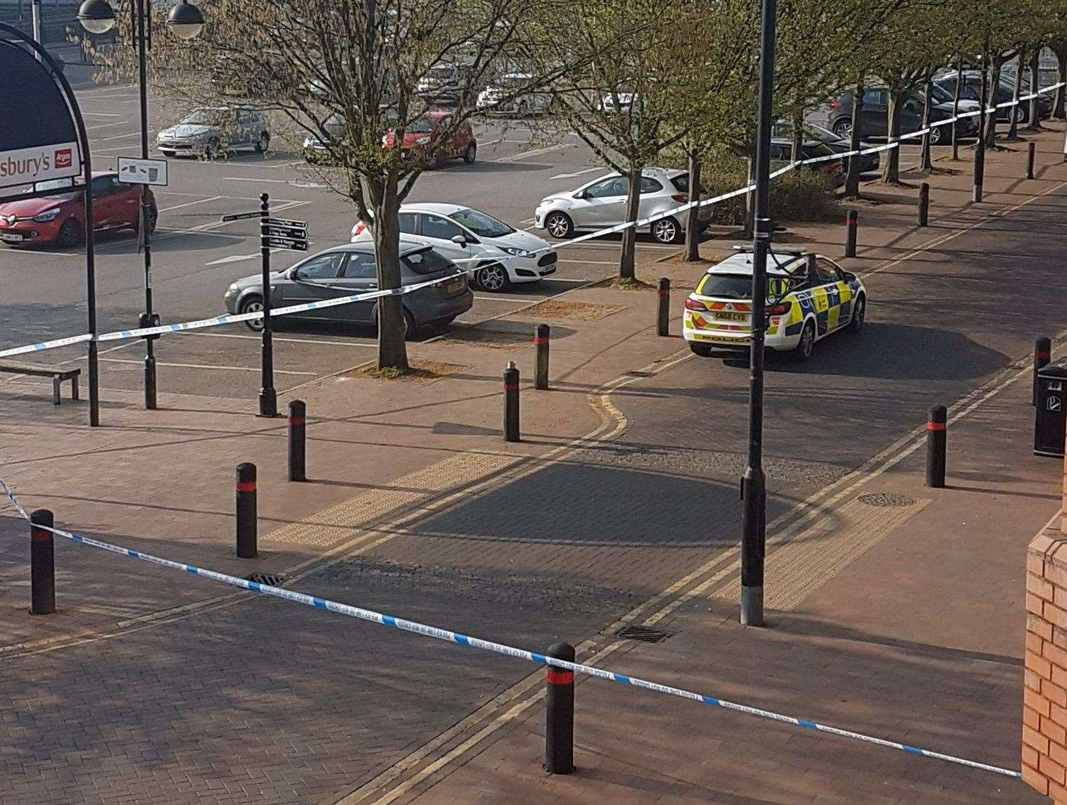 The police cordon near Angel Walk shopping centre. Picture: @PippyG82 (8158211)