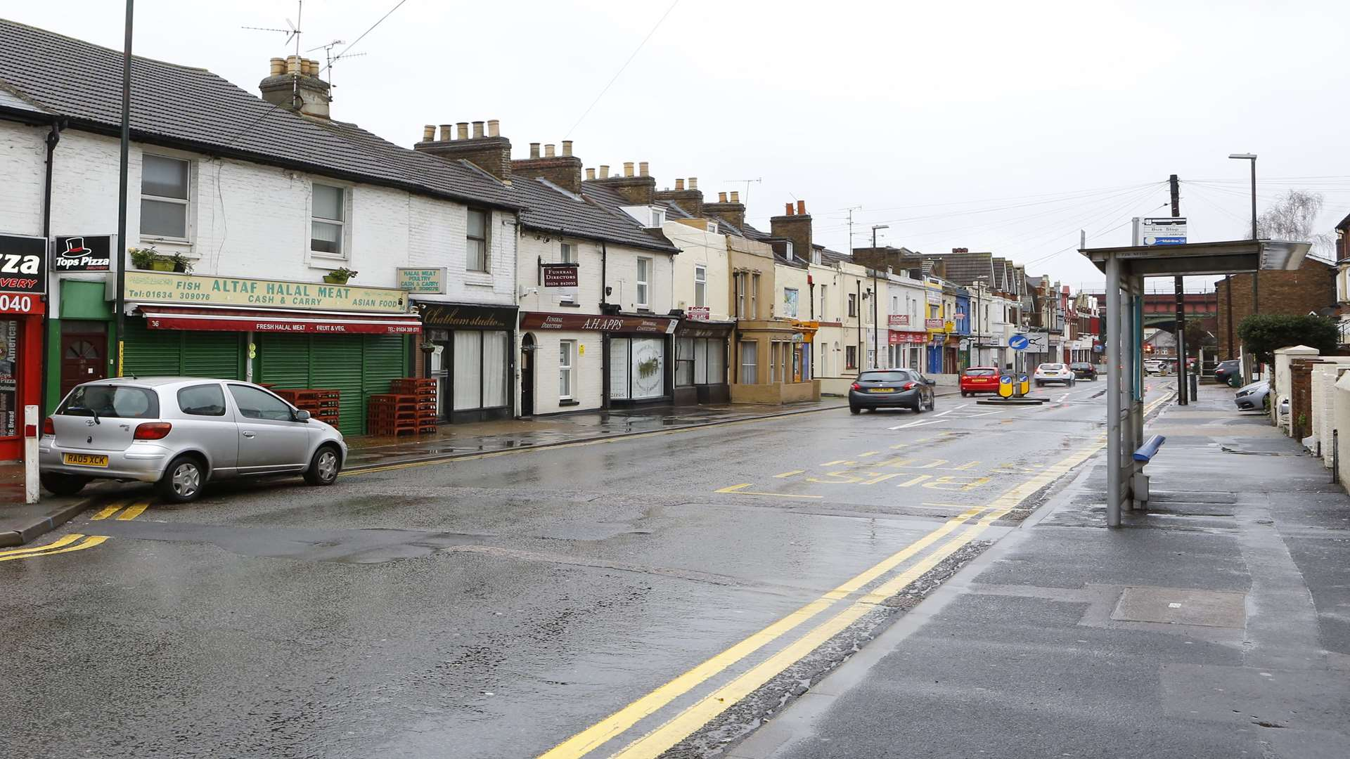 Southern Water On Site Of Burst Water Pipe In Luton Chatham