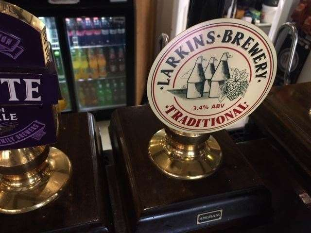 I had a taster of the 3.4% Larkins Bitter but have to admit I was not a fan and didn't go for a pint