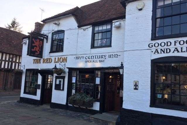 The Red Lion has proudly served Lenham locals for centuries