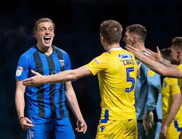 Gills striker Tom Eaves shows his frustration Picture: Ady Kerry (7742584)