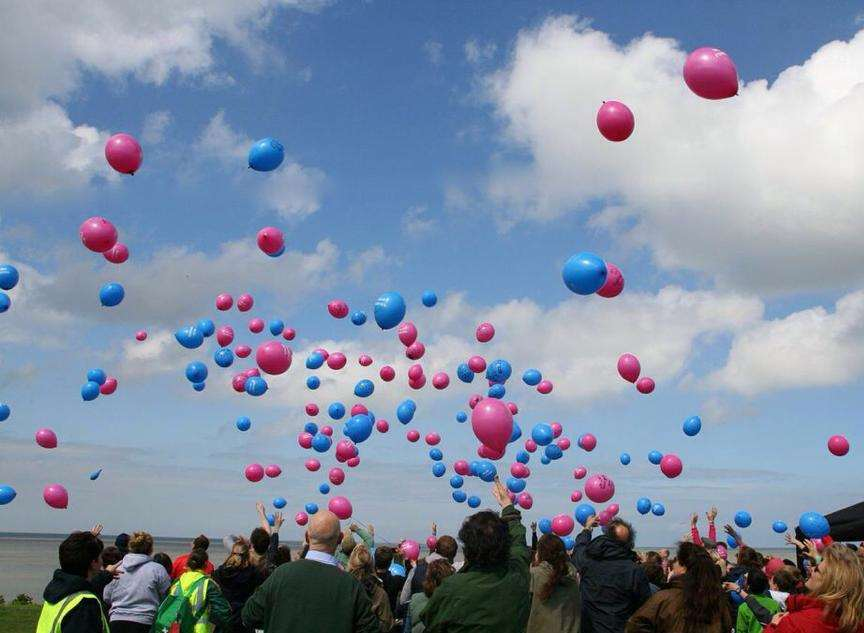 Pupils let off balloons in memory of Silas