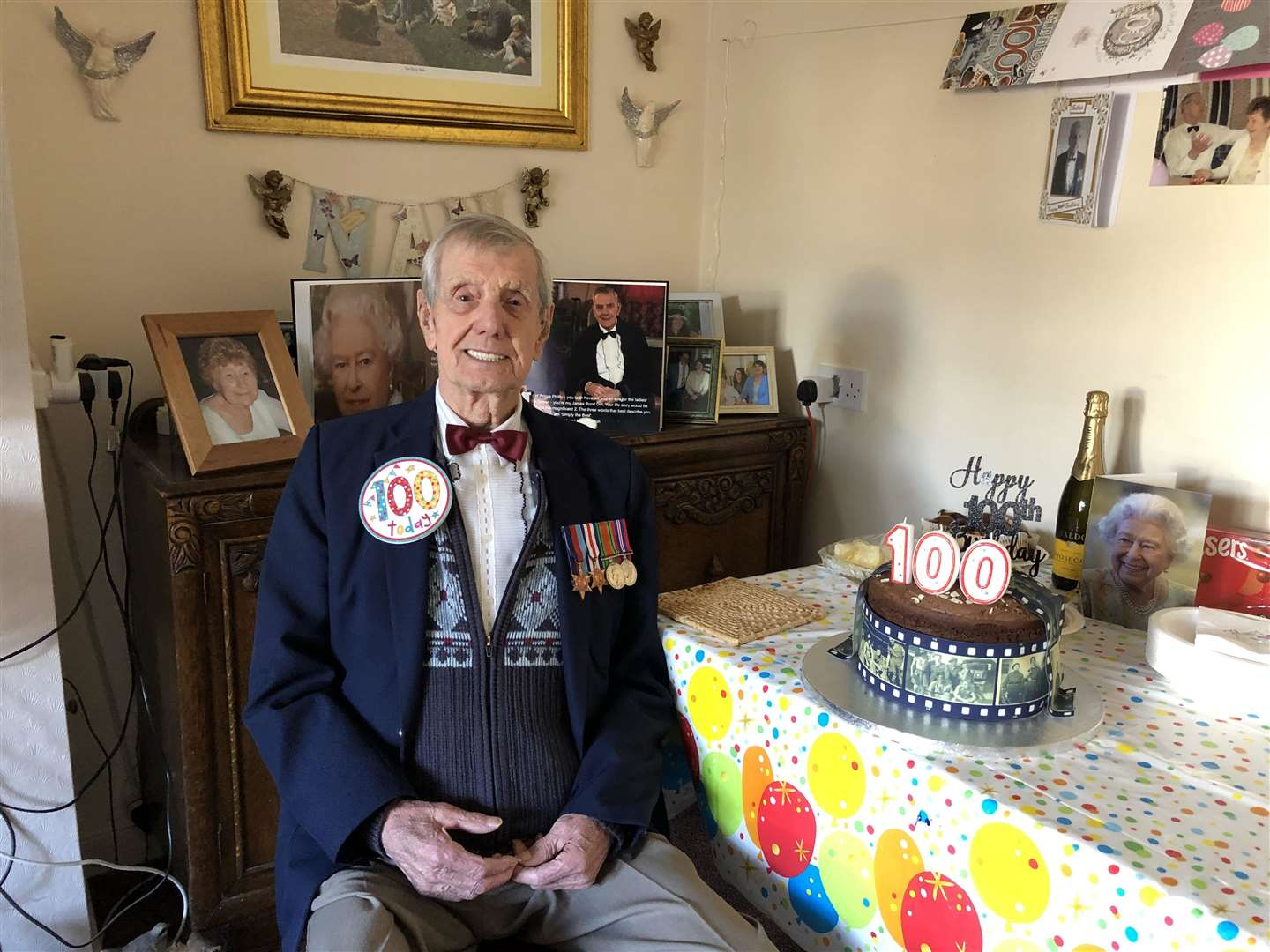 Charlie Pallett with his 100th birthday cake