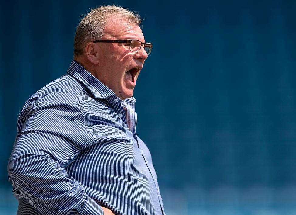 Boss Steve Evans gets his message across Picture: Ady Kerry (14058445)