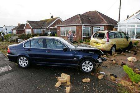 Car crashes into wall in Greatstone