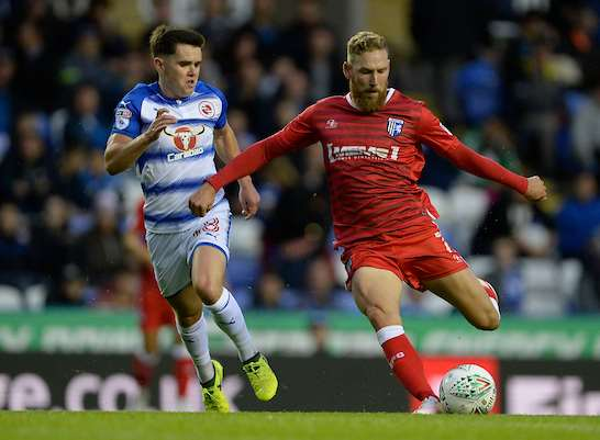 Scott Wagstaff lines up a shot for Gills at Reading Picture: Ady Kerry