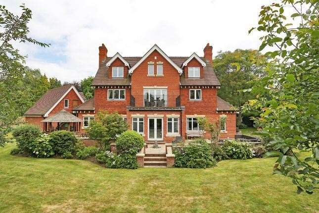 Six-bed detached house in Town Hill Close, West Malling. Picture: Zoopla / Fine & Country
