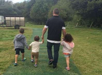 Chris McCarron leaves behind seven children