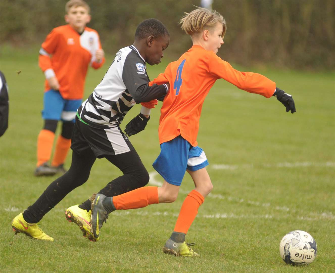 Milton & Fulston United under-11s stick with Cuxton 91 Crusaders Picture: Steve Crispe