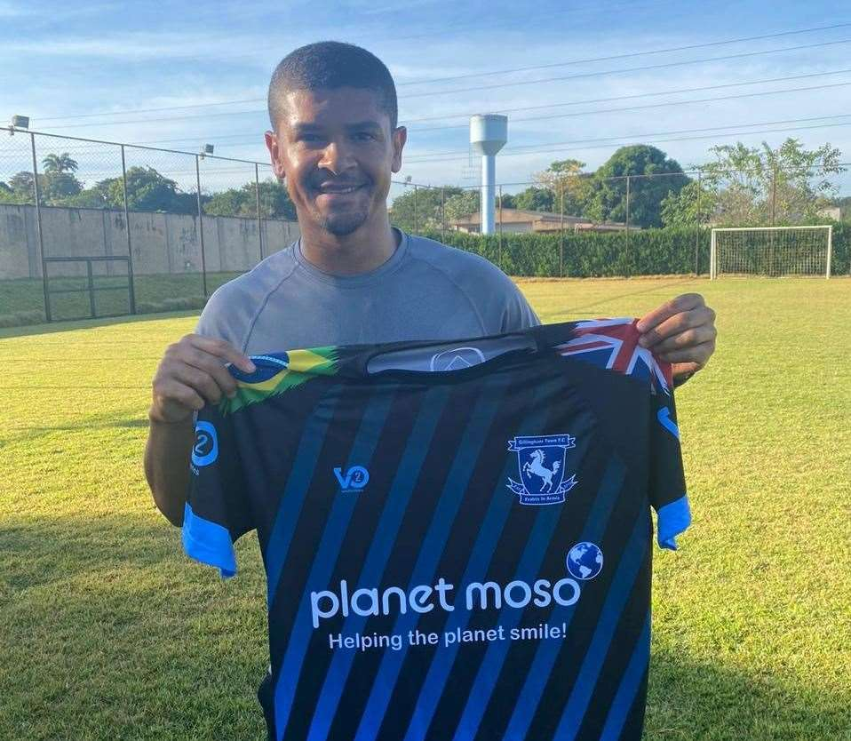 Former Arsenal player Denilson at home in Brazil with his Gillingham Town shirt (35132749)