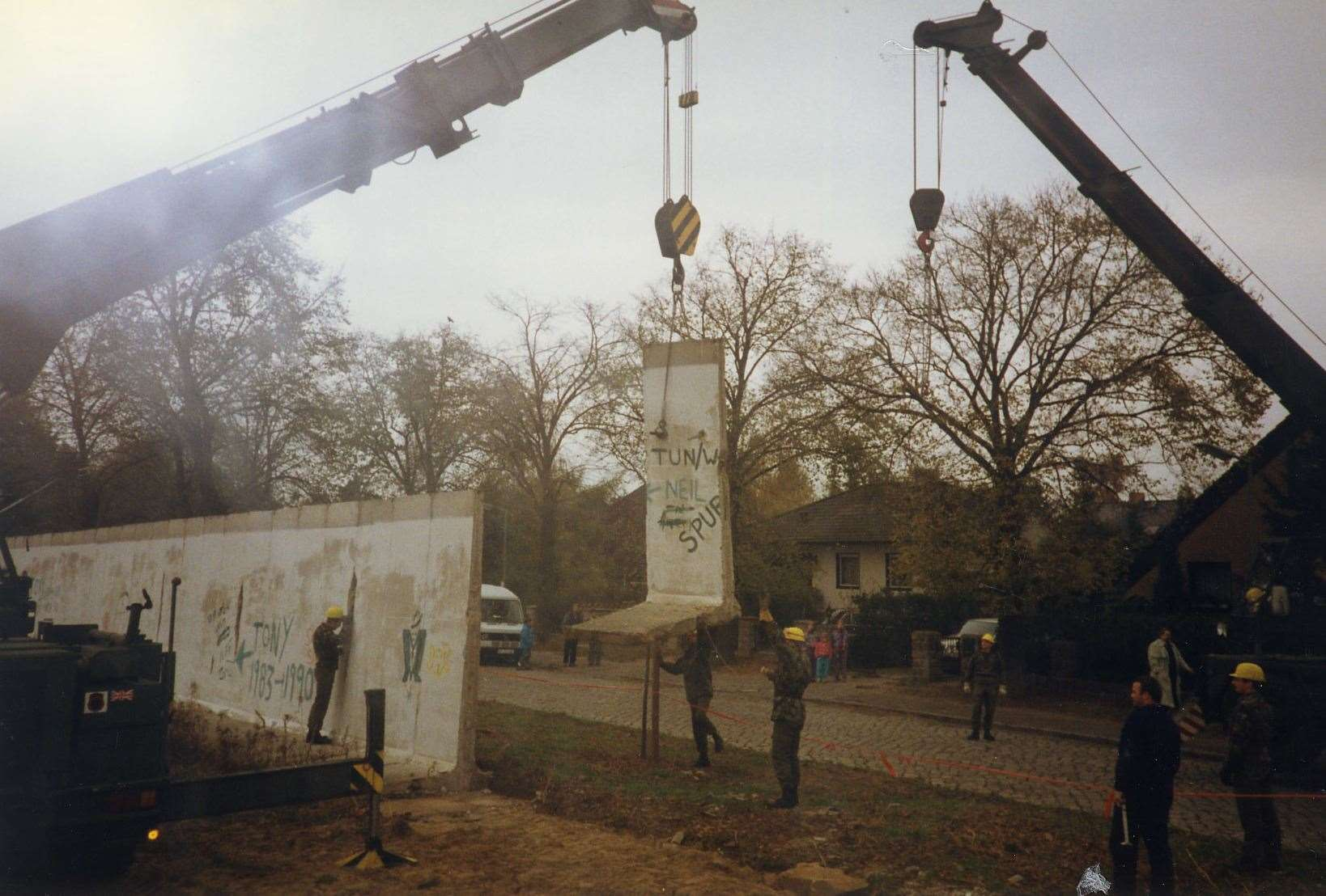 Sappers dismantle section of Berlin Wall