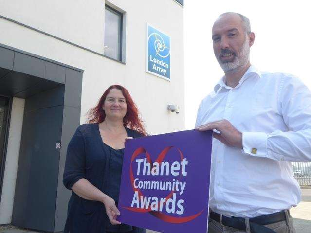 Thanet Extra news editor Julia Collins and London Array general manager Jonathan Duffy (3906676)