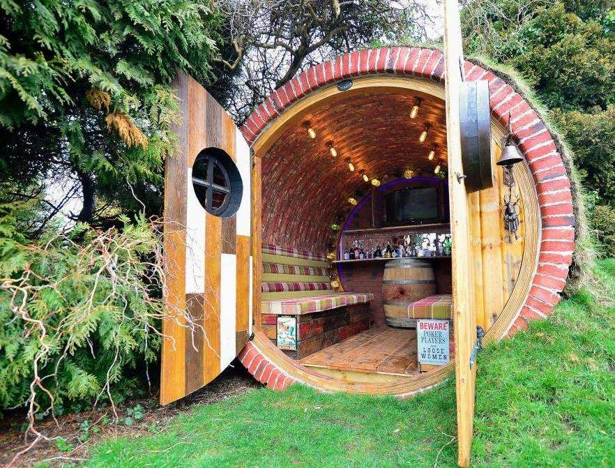 An example of one of Mr Wright's hobbit houses