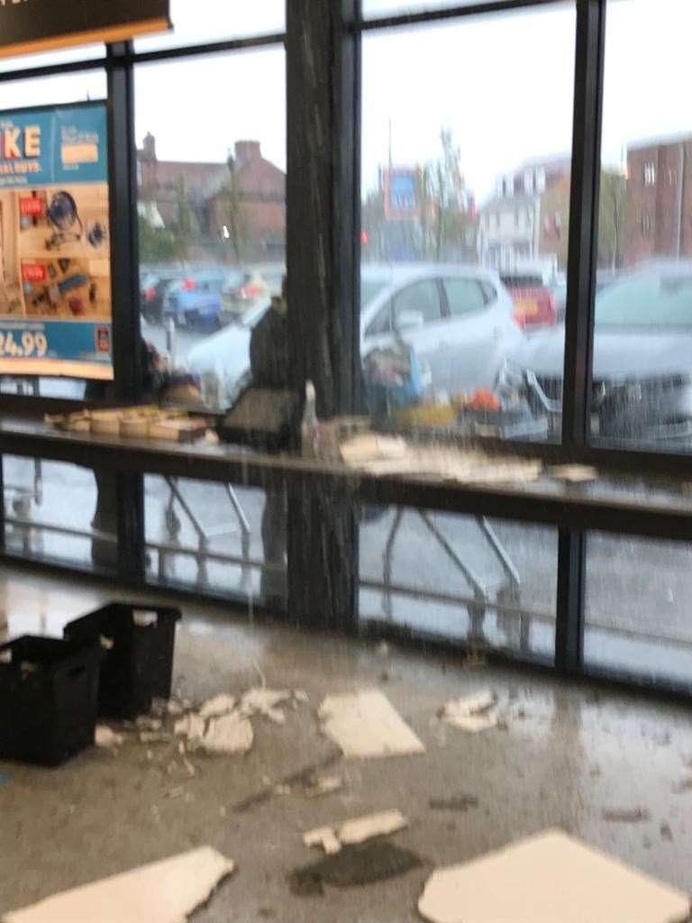 The mess at the front of the Deal Aldi store