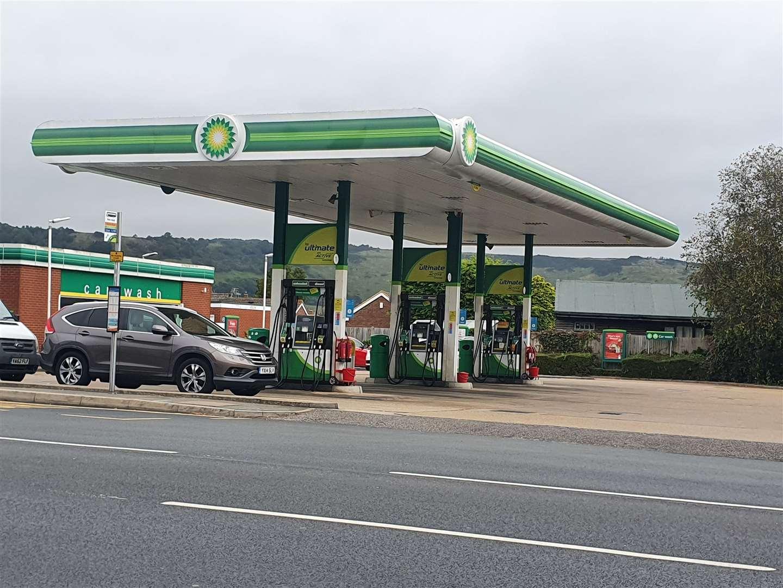 BP is Cheriton Road, Cheriton (51608128)
