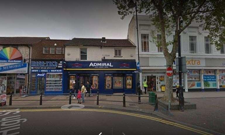 Kasino Admiral di Jalan Tinggi Gillingham. Gambar dari Google Maps