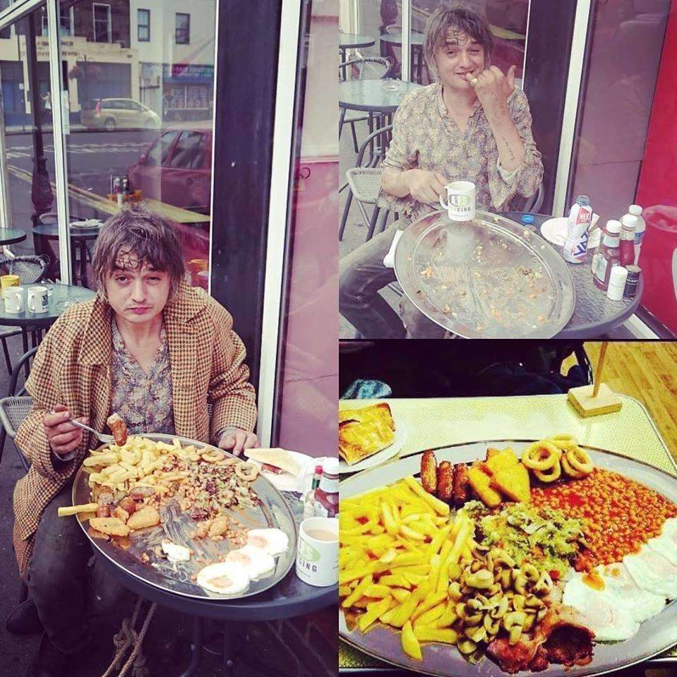 Pete Doherty smashes the cafe's breakfast challenge (3713207)