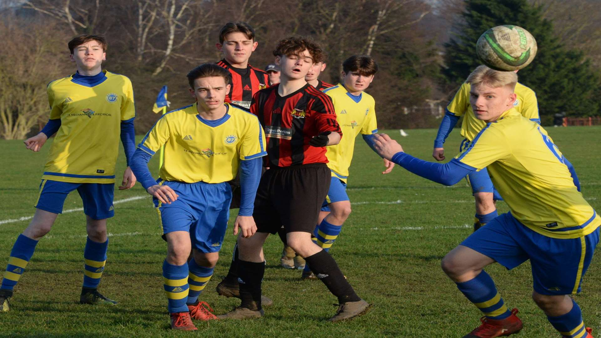 Strood 87 and Woodcoombe Youth under-16s scramble for the ball Picture: Chris Davey