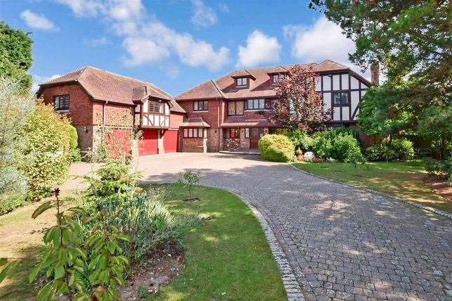 Six-bed detached house in Madeira Road, Littlestone. Picture: Zoopla / Wards