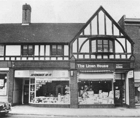 Sevenoaks Hi-Fi and The Linen House pictured in the High Street in 1981 (Picture: The Sevenoaks Society)