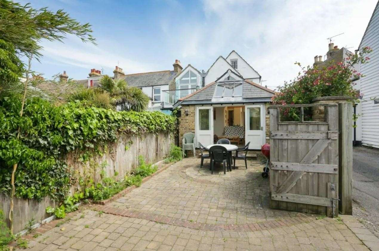 The courtyard which offers off-street parking. Picture: Zoopla / Miles & Barr