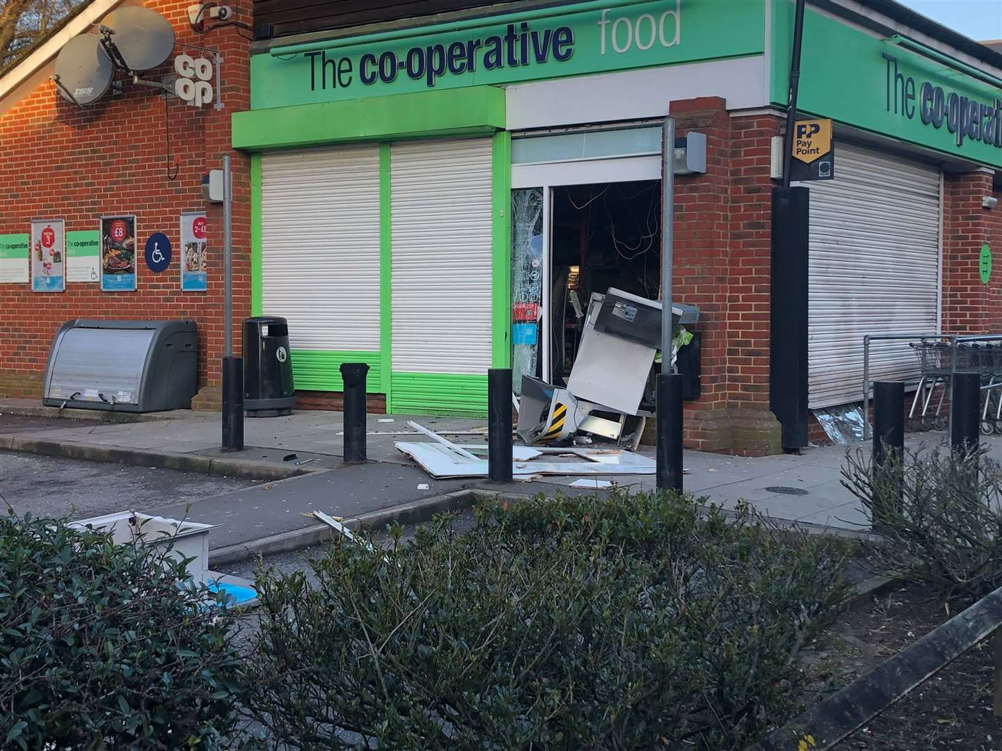 The Co-op in Faversham Road, Kennington (7031621)