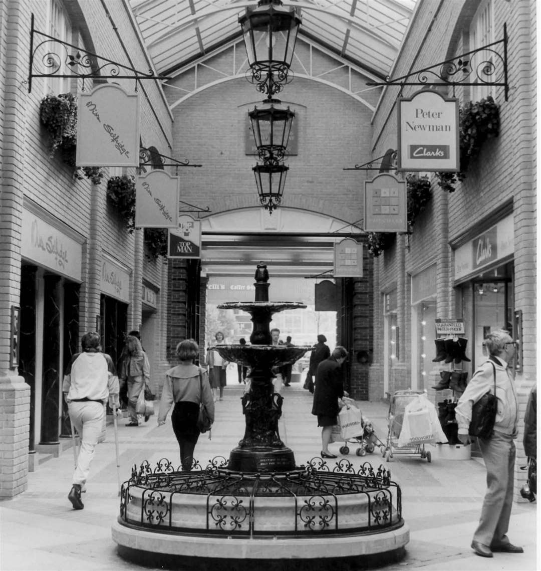 Marlowe Arcade Canterbury 1990 - the arcade still exists and is home to Copperfield and HMV